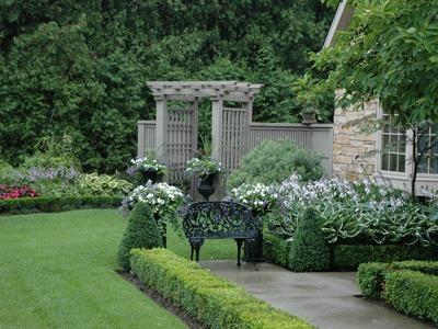 Garden Tour: Balanced landscape design