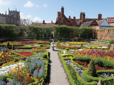 Shakespeare site to open in July