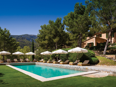 Richard Branson opens villas in Spain