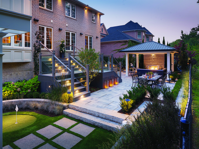 CAREFREE OUTDOOR LIVING